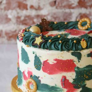 Vanilla Christmas Cake full decoration